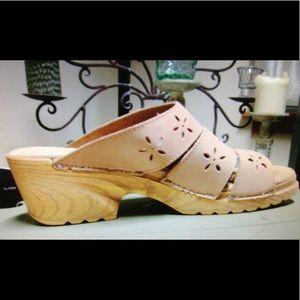 Leather Block heel sandals super comfy & cute